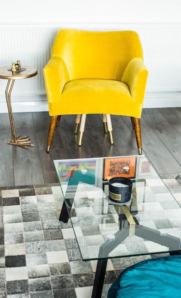 Tendance déco fauteuil jaune
